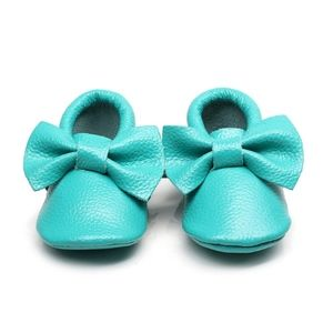 Other - Turquoise Leather Bow soft sole baby moccasins